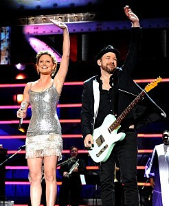 Sugarland playing for the Troops
