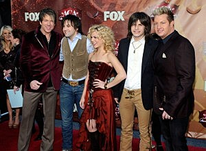 Joe Don Rooney, Neil Perry, Kimberly Perry, Reid Perry, and Gary LeVox arrive at the American Country Awards