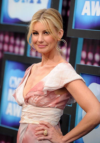 Faith Hill Walking The Red Carpet