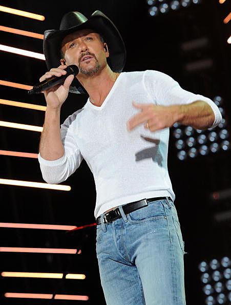 Tim McGraw Singing On Stage