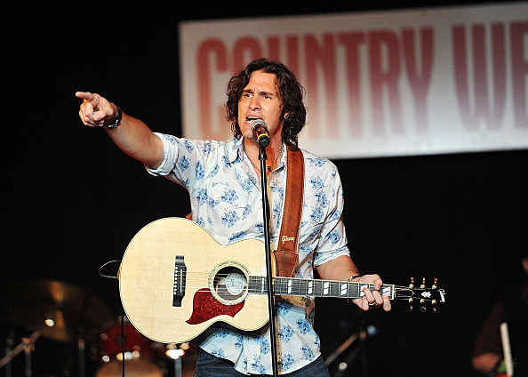 Joe Nichols performs at Country Weekly's 5th annual fashion show