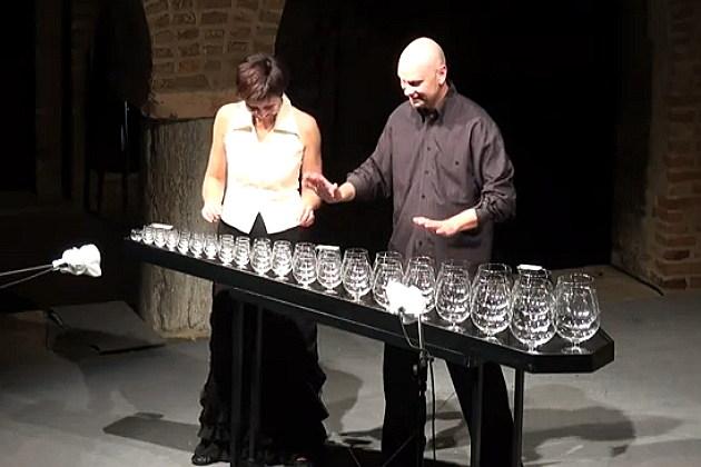 Glass Harp Duo begin to play Sugar Plum Fairy