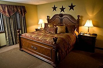 The MCM Elegante King size bed