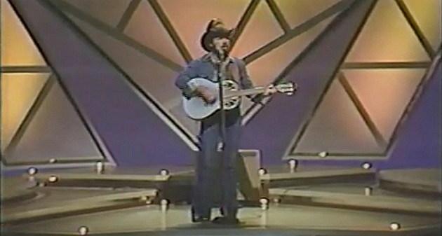 Johnny Lee sings Looking for Love