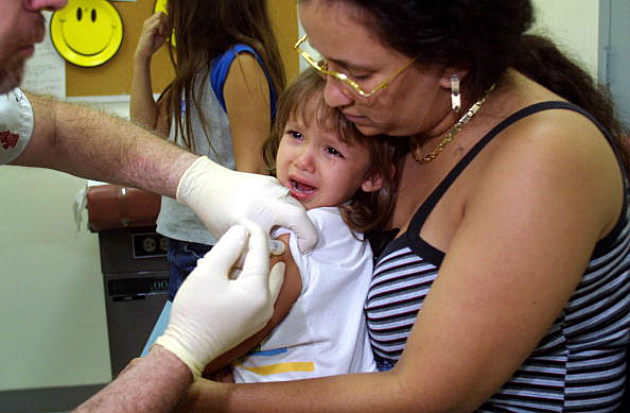 Child getting immunized