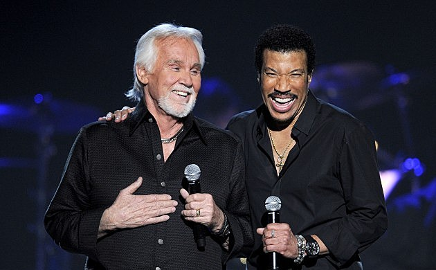 ACM Presents: Friends Kenny Rogers and Lionel Richie on stage