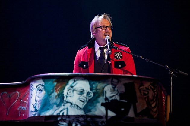 Phil Vassar performs at the Let Us In Nashville: A Tribute