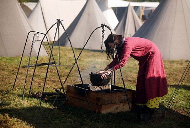 Re-enactment groups often include Indians