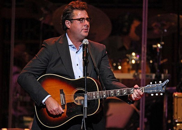 Vince Gill performs at the 2nd Annual ACM Honors Show