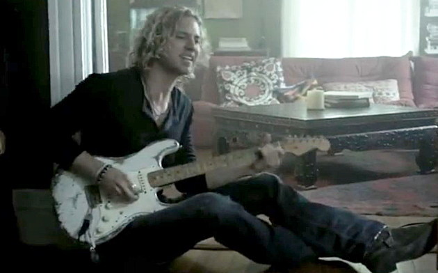Casey James playing guitar