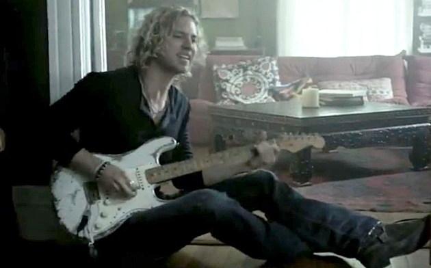 Casey James playing guitar