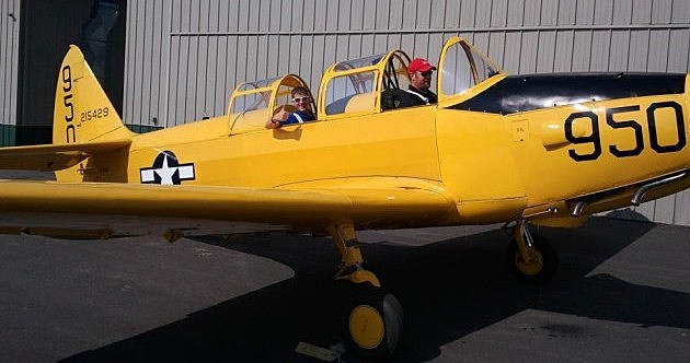 EAA kid in a plane