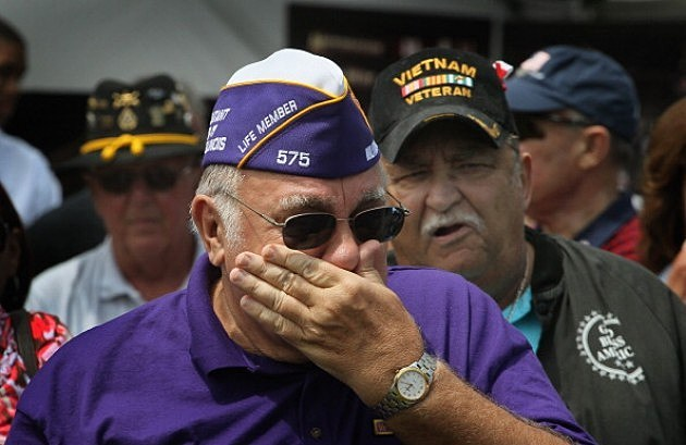 Vietnam Veterans gather and commemorate the 25th Anniversary