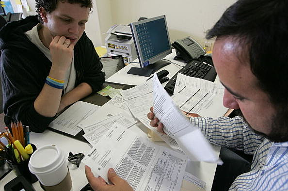 Tax Payers Get Help With Tax Filing