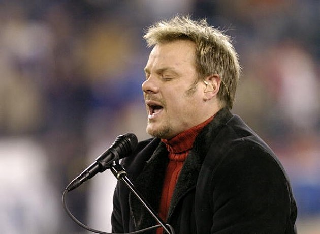 Phil Vassar entertains as the  Tennessee Titans play