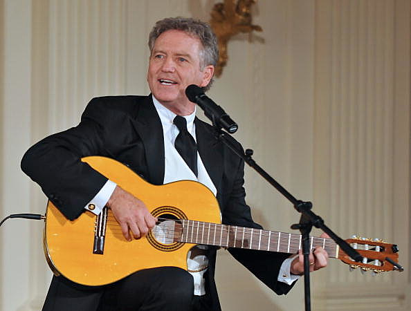 Larry Gatlin plays at The White House