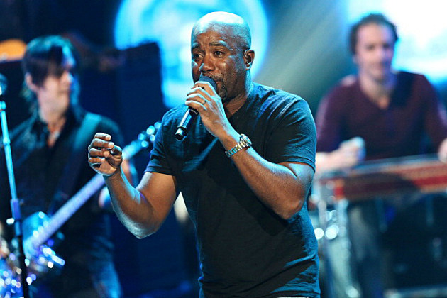 Darius Rucker performs